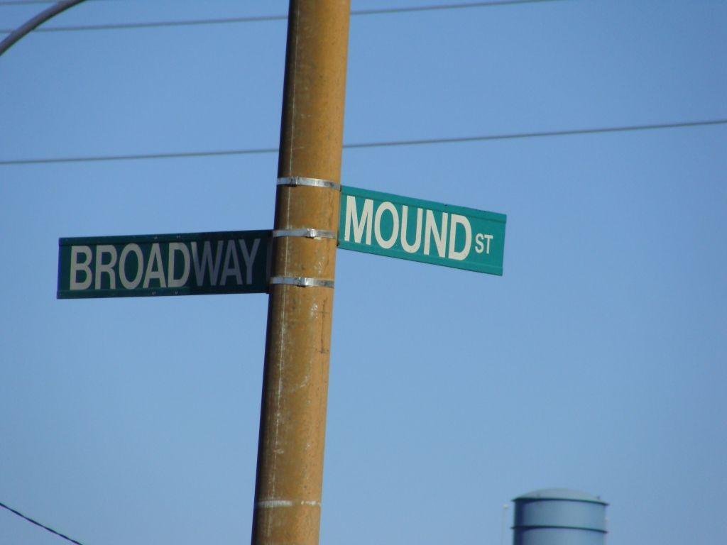 Inaugural, Big Mound, Tillie's Corner, Ville, St. Louis Plac 011