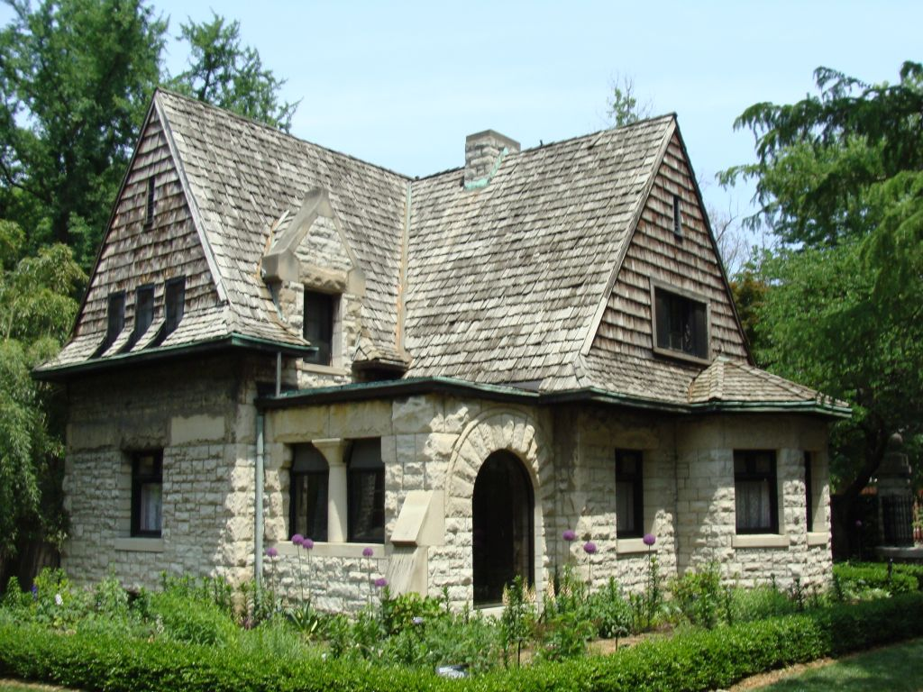 St Louis Patina | Cleveland Avenue Gatehouse, Shaw's Garden